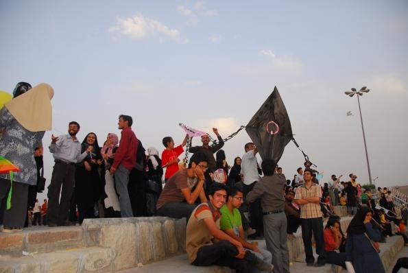 نمایی از �ضور مردم در جشنواره بادبادک ها - بیرجند